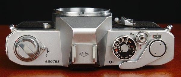 Shutter speeds, film winder, shutter lock, and film rewind on FT QL.