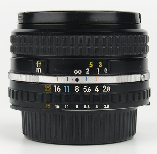 28mm Lens Distance Window and Aperture Ring.