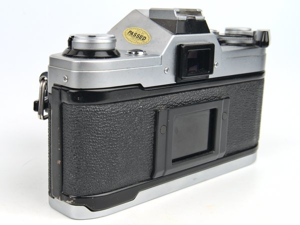 Canon AE-1 film back securely closed