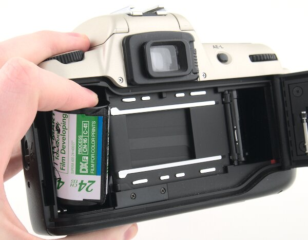 Nikon N60 Remove 35mm Film Canister